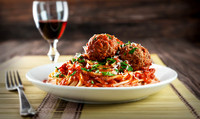 A picture of spaghetti and meatballs