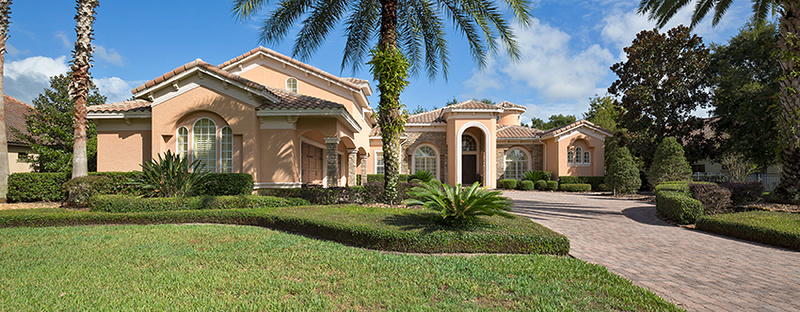 picture of the exterior front of a luxury home in Orlando florida